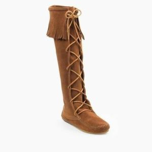 Minnetonka Lace Knee Fringe Suede Moccasin Boots